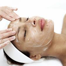 Professional facial esthetic treatment in Barcelona