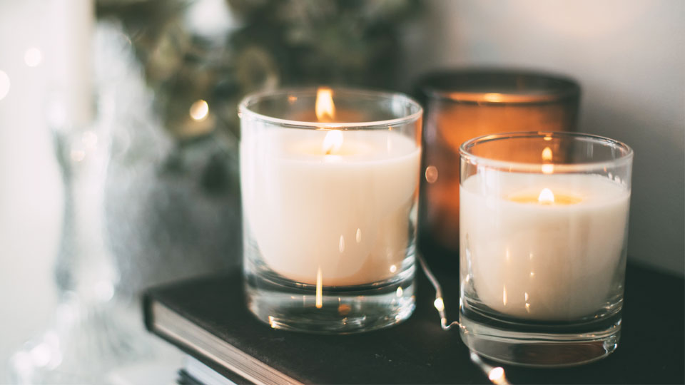 What Are the Benefits of Aromatic Candles?