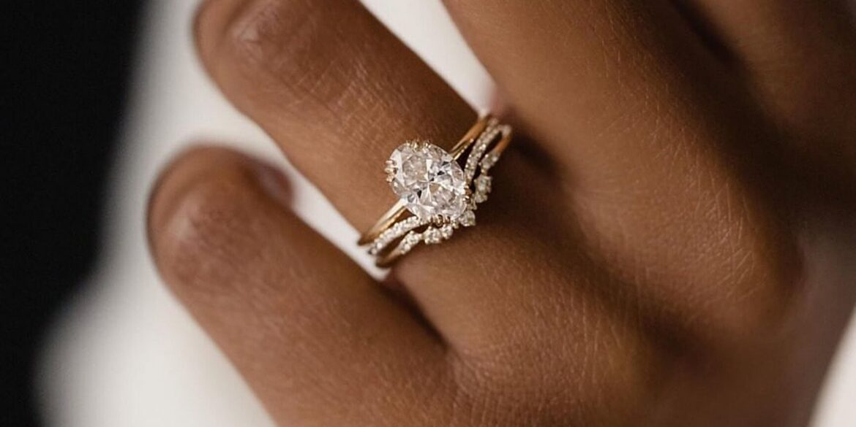 Presenting Engagement Rings Makes Engagement Memorable